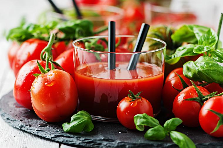nước ép cà chua  nước ép 5 công thức nước ép trái cây đơn giản cho bữa sáng tươi trẻ lam nuoc ep ca chua cuc nhanh bang may xay sinh to 5