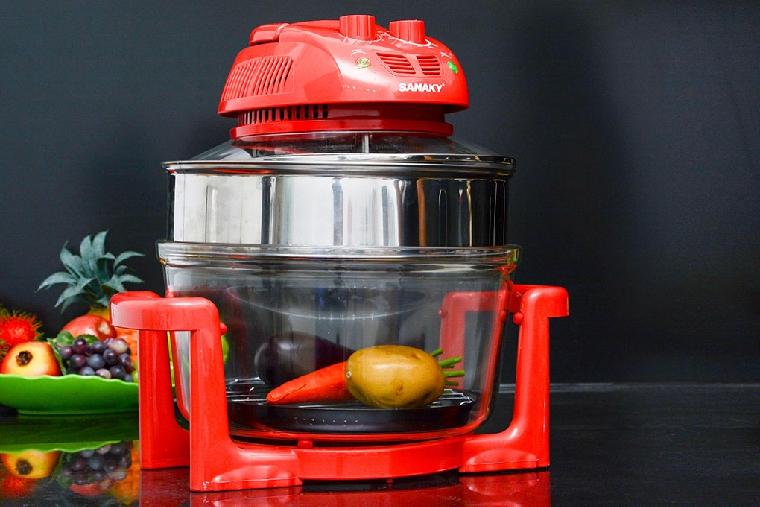 Sử dụng khay tăng tầng để nấu nhiều món cùng lúc