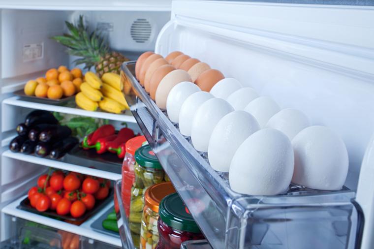 Trứng nên được bảo quản bên trong tủ lạnh