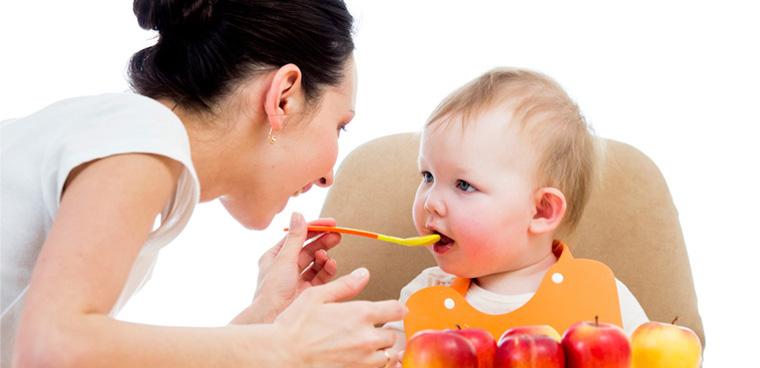 Chọn mua máy xay sinh tố cho nhà có trẻ nhỏ