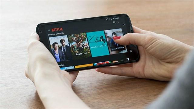 5 smartphone tầm trung vừa giảm giá mạnh