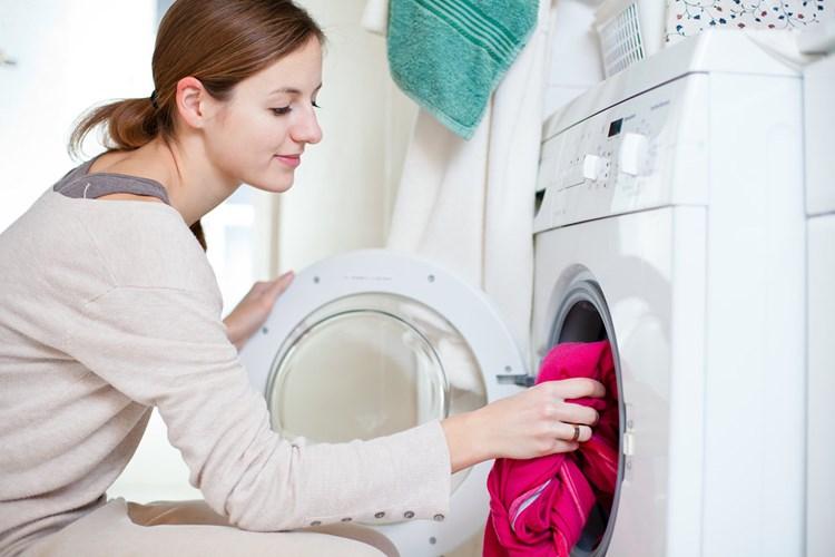 6 cách để quần áo không bị nhăn khi giặt bằng máy giặt
