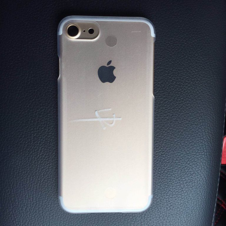 Mặt sau iPhone 7 với camera rất lớn