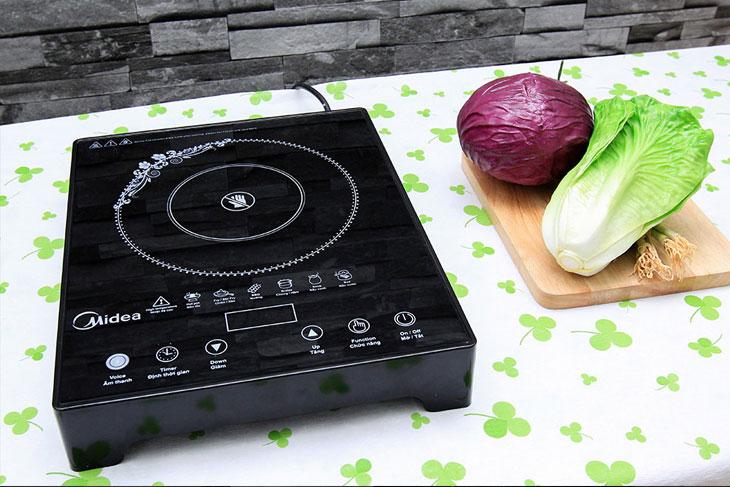 Bếp hồng ngoại Midea MIR-T2013DA có cảnh báo mặt bếp còn nóng