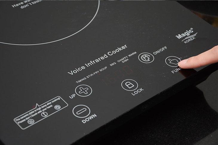 Bếp hồng ngoại Magic A34 có phát giọng nói khi nhấn