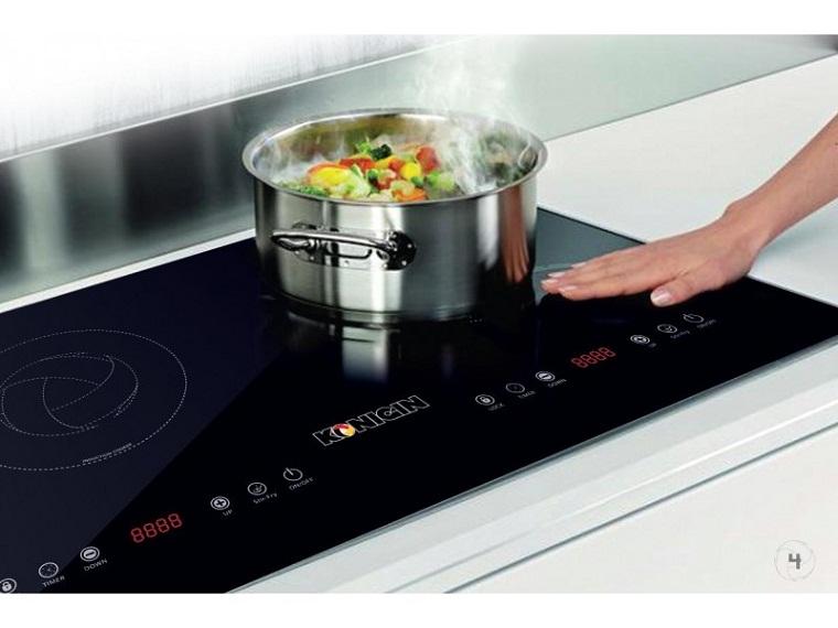 Không đặt tay lên bếp từ đang hoạt động