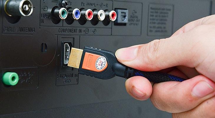 Kết nối với laptop thông qua cổng HDMI trên tivi