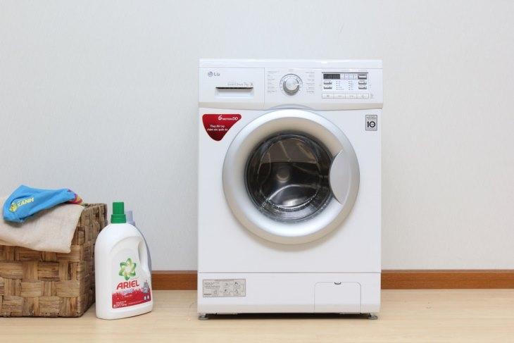 Không nên đóng cửa máy giặt khi không sử dụng
