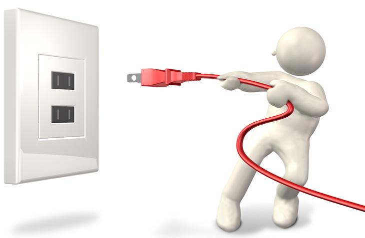 Rút phích cắm điện tivi