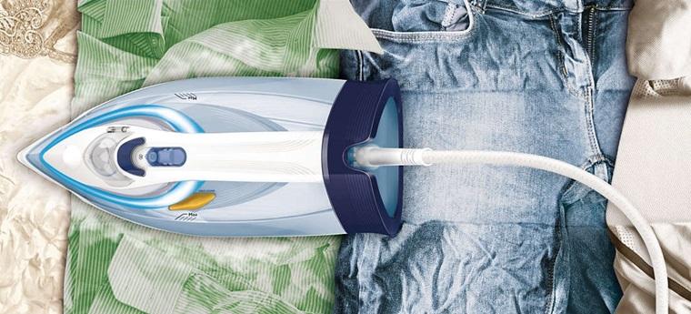 Bàn ủi hơi nước Philips GC4910 với công nghệ OptimalTemp giúp ủi quần áo dễ dàng hơn