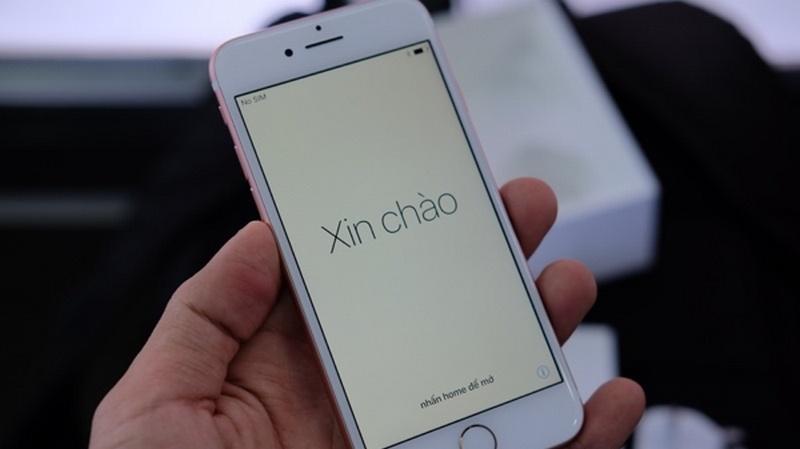 Mở hộp iPhone 7 màu hồng đầu tiên về VN, giá 34 triệu
