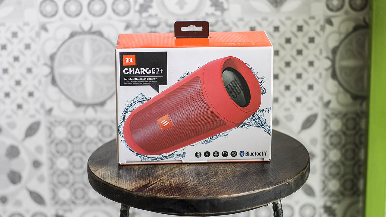 tren tay loa jbl charge 2 plus