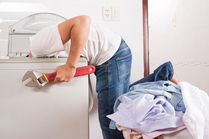 Van ống máy giặt bị hở