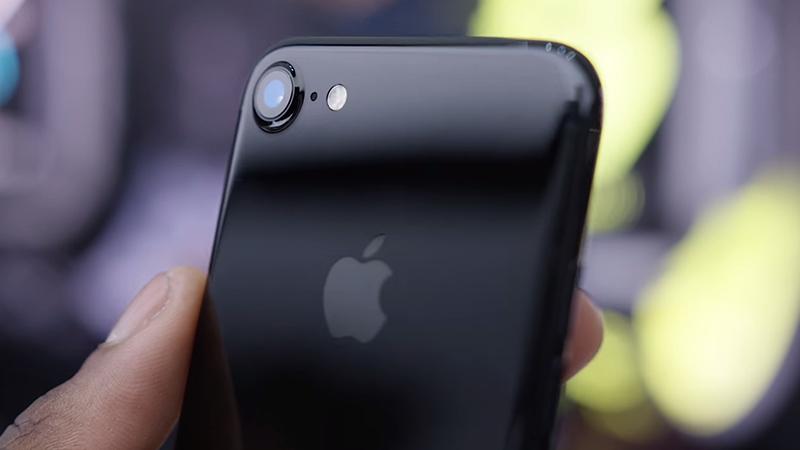Kết quả hình ảnh cho Điện thoại iPhone 7 Plus sử dụng cảm biến Sony Exmor RS