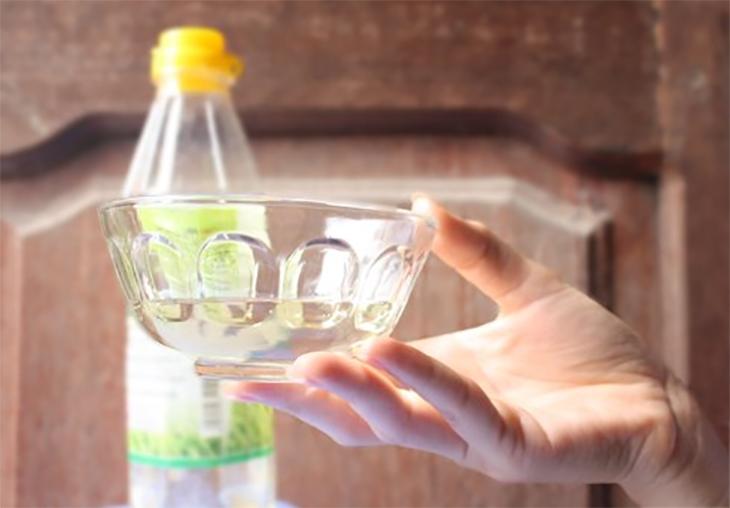 Cách khử mùi nhựa cho ấm siêu tốc mới mua