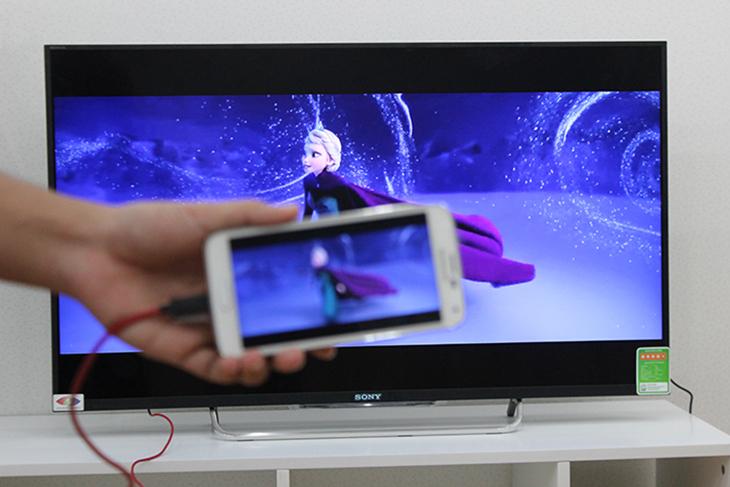 Màn hình điện thoại chiếu lên tivi