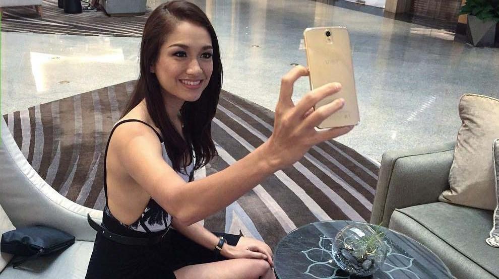 Smartphone camera kép mặt trước, RAM 3GB, thiết kế nhôm kính tuyệt đẹp giảm giá sốc