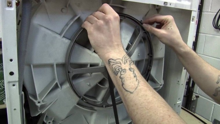 Dây curoa, động cơ máy giặt bị hỏng