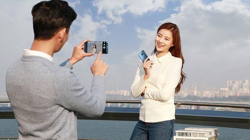 Giải mã sức hút bí ẩn của Samsung Galaxy S7 Edge màu Xanh Coral