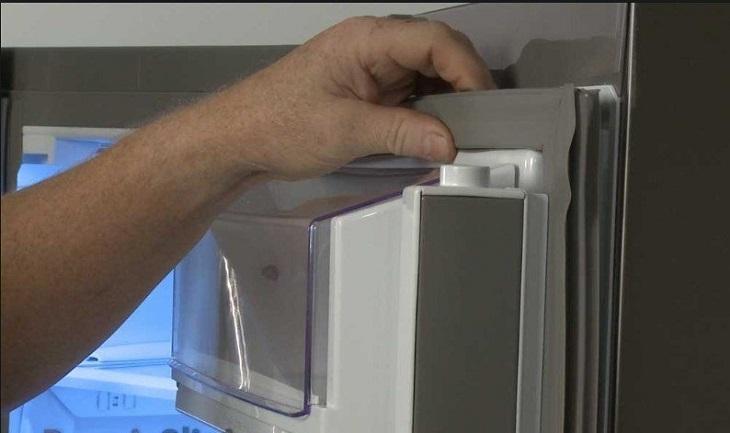Hướng dẫn khắc phụ hiện tượng gioăng cao su tủ lạnh bị hở tại nhà