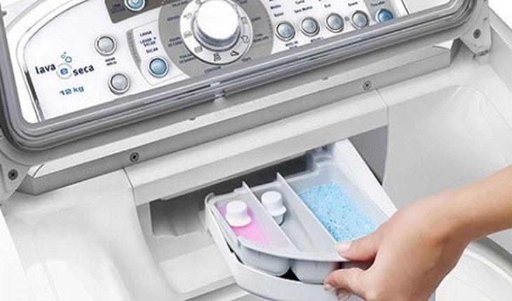Máy giặt không tự xả nước xả vải? Nguyên nhân và cách khắc phục