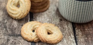 Cách làm bánh quy bơ Danisa thơm lừng cực ngon đón Tết dễ làm tại nhà