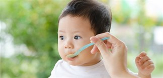 Cách chọn thực phẩm cho trẻ dưới 1 tuổi