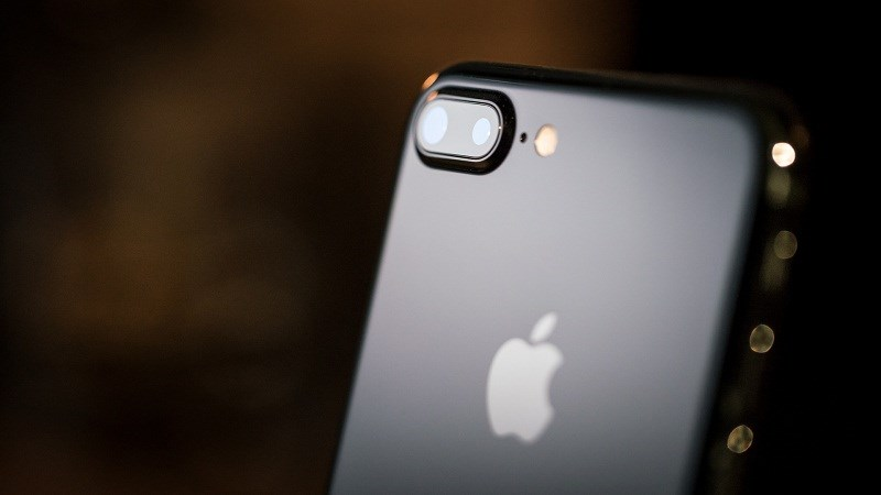 Iphone 7 Plus Màu đen Bóng Sau 3 Tháng Không Dùng Case