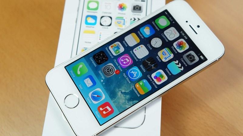 Tết Dương lịch, iPhone 5s tiếp tục được giảm giá sốc