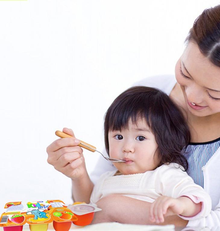 Sữa chua cho bé ăn lúc nào mới tốt? 2