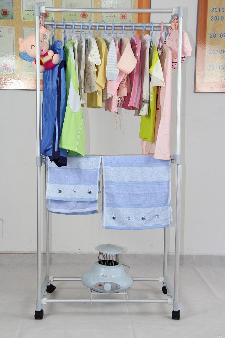 cho một lượng quần áo vào phù hợp với công suất của máy