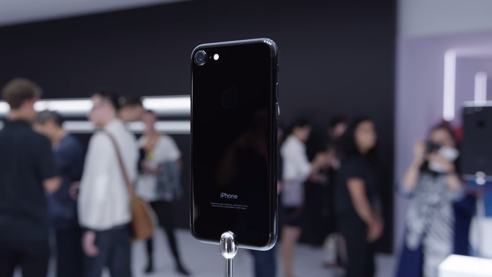 iPhone 7 tiếp tục được giảm giá mạnh mẽ dịp Tết