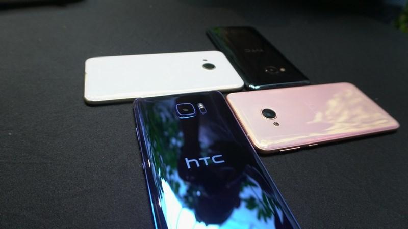 Hình ảnh trên tay bộ đôi HTC U Ultra và U Play đầu tiên tại Việt Nam - ảnh 1