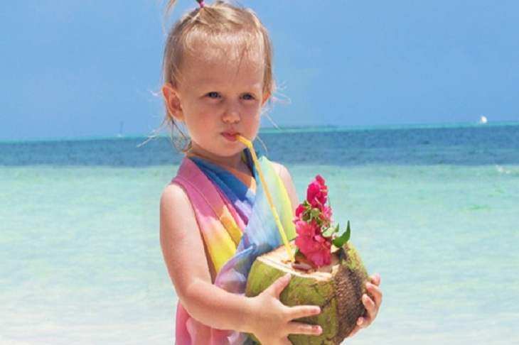 Lợi ích của nước dừa đối với trẻ em