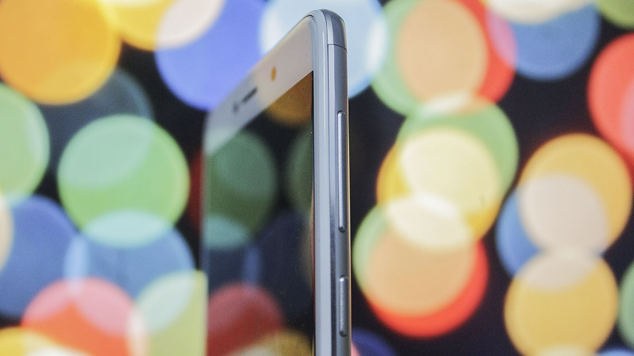 Không cần iPhone 7 Plus, đây là chiếc smartphone chụp xóa phông chơi Tết có giá rẻ nhất hiện nay