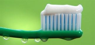 Những lỗi cần tránh khi dùng kem đánh răng