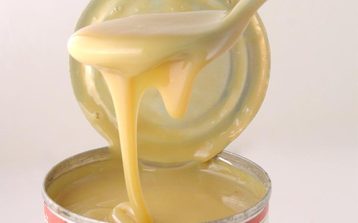 Sữa đặc là sữa tươi trưng cất, pha thêm 40 % đường
