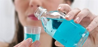 Lưu ý quan trọng cần biết khi dùng nước súc miệng