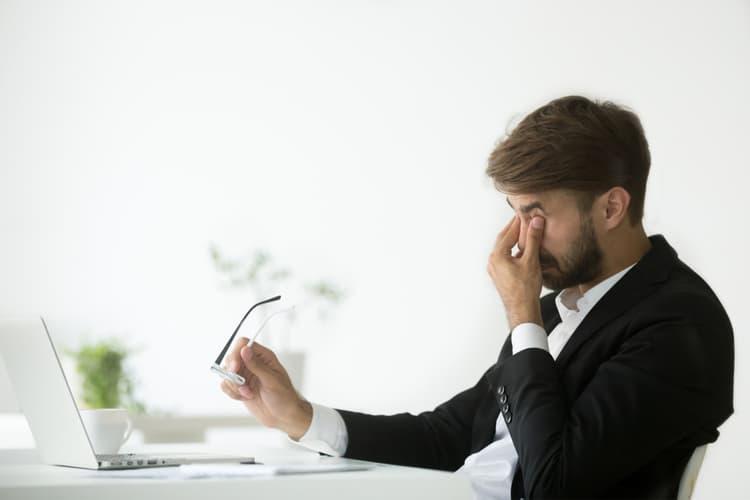Sức khỏe mắt sẽ bị ảnh hưởng nếu dùng màn hình tivi thay cho máy tính trong thời gian dài