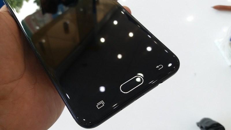 Smartphone bán chạy nhất tại TGDĐ vừa có thêm khuyến mãi hấp dẫn