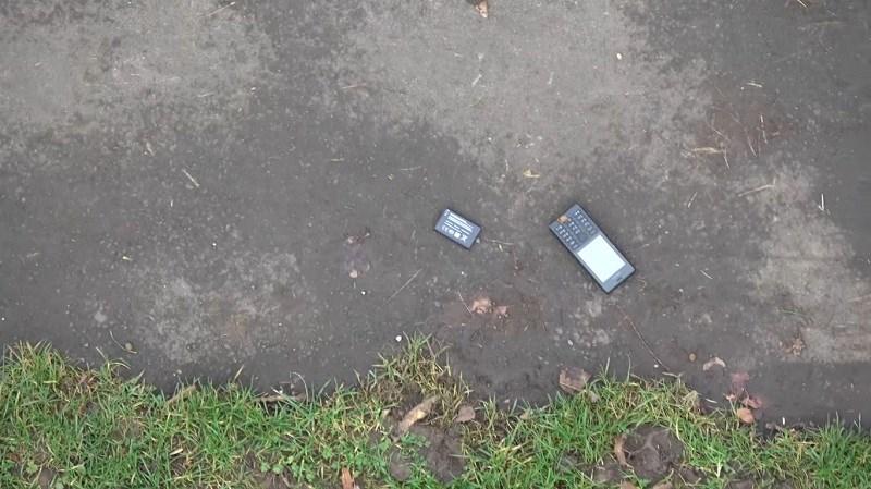 Thử nghiệm thả rơi Nokia 150, HDM làm điện thoại có ngon như Nokia?