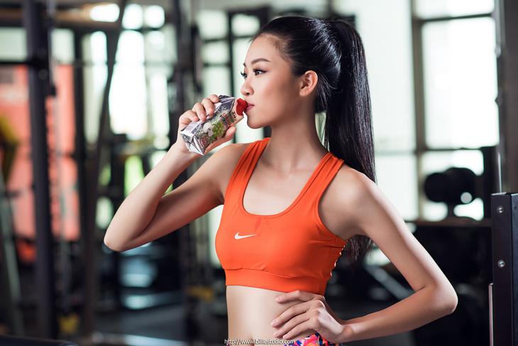 nước uống thể thao tập gym