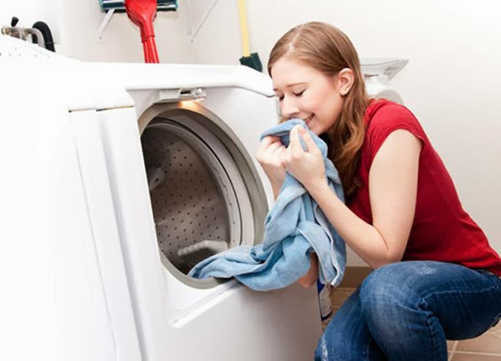 Nước giặt giúp quần áo sạch hơn, mềm hơn, lưu hương nhẹ nhàng