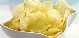 Tự làm snack khoai tây giòn rụm cho bé yêu thưởng thức
