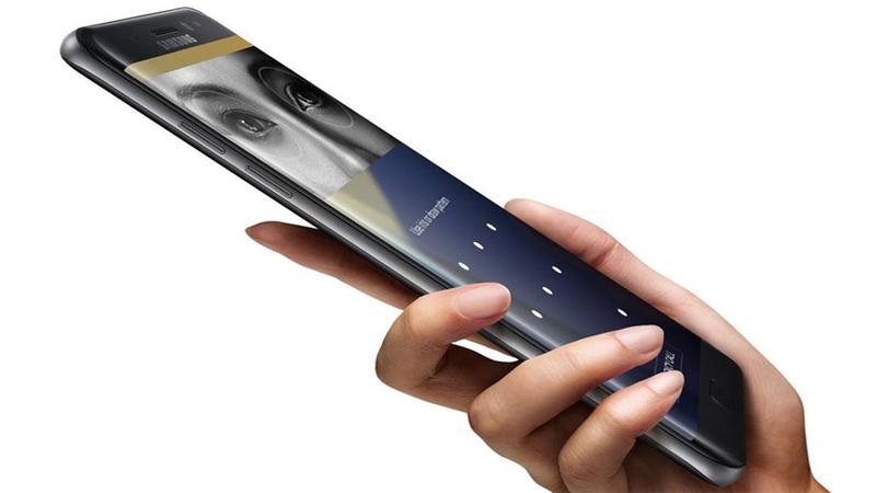 Samsung S8 cảm biến khuôn mặt và cảm biến quét võng mạc