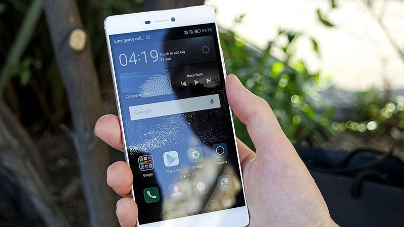 Smartphone tầm trung của Huawei dùng màn hình OLED xuất hiện