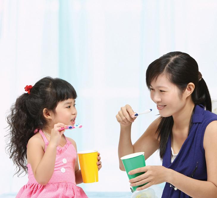 Có nên cho trẻ em dùng kem đánh răng của người lớn không? 1