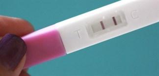 Vì sao dùng bao cao su vẫn có thai?