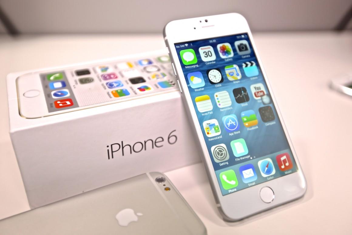 iPhone 6 32GB lên kệ tại Việt Nam sẽ gặp phải những đối thủ nào trong tầm giá?