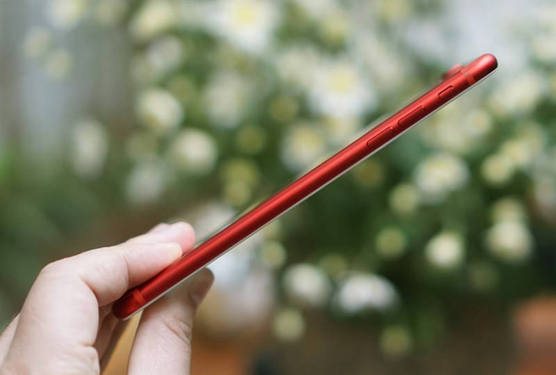 Hình ảnh cận cảnh iPhone 7 Plus đỏ tại Việt Nam: Độc, đẹp, giá cao